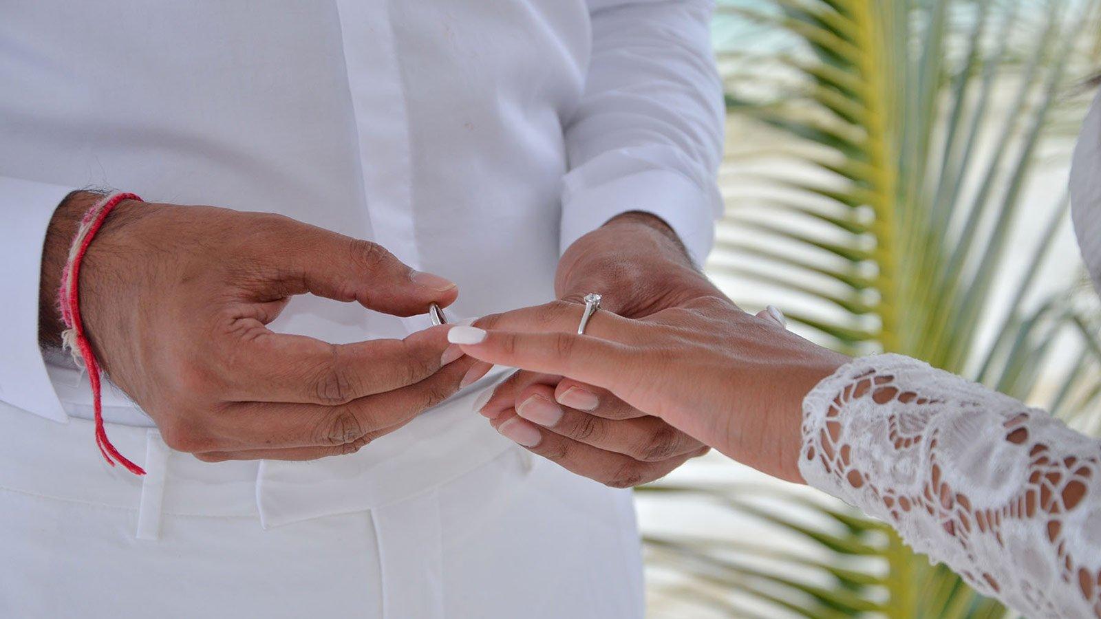 Maldives wedding romance