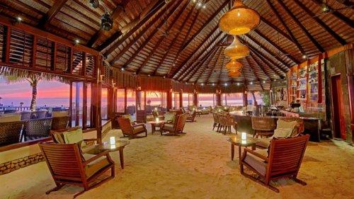 Kandu Bar Komandoo Maldives Resort