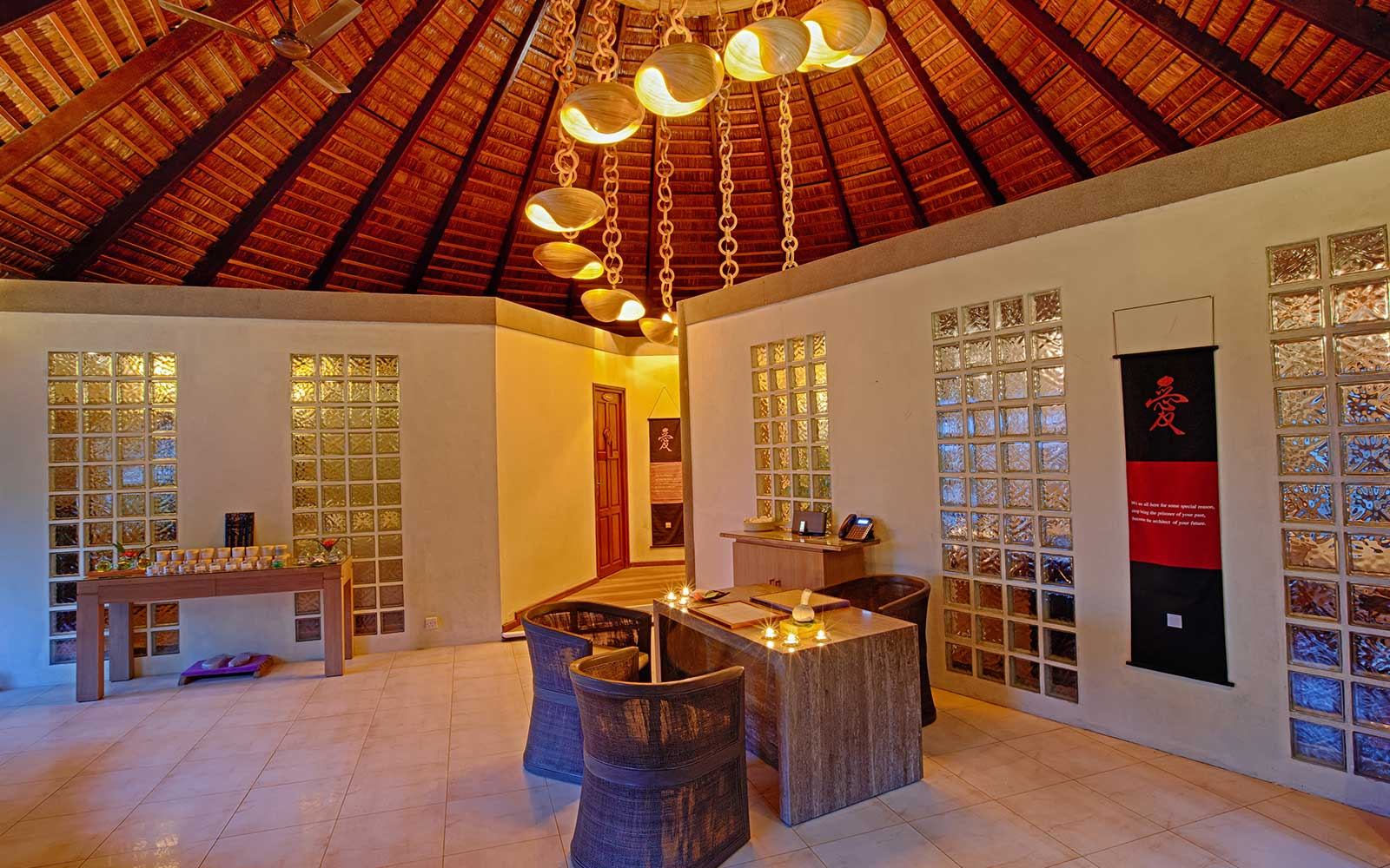Komandoo Maldives Duniye Spa reception